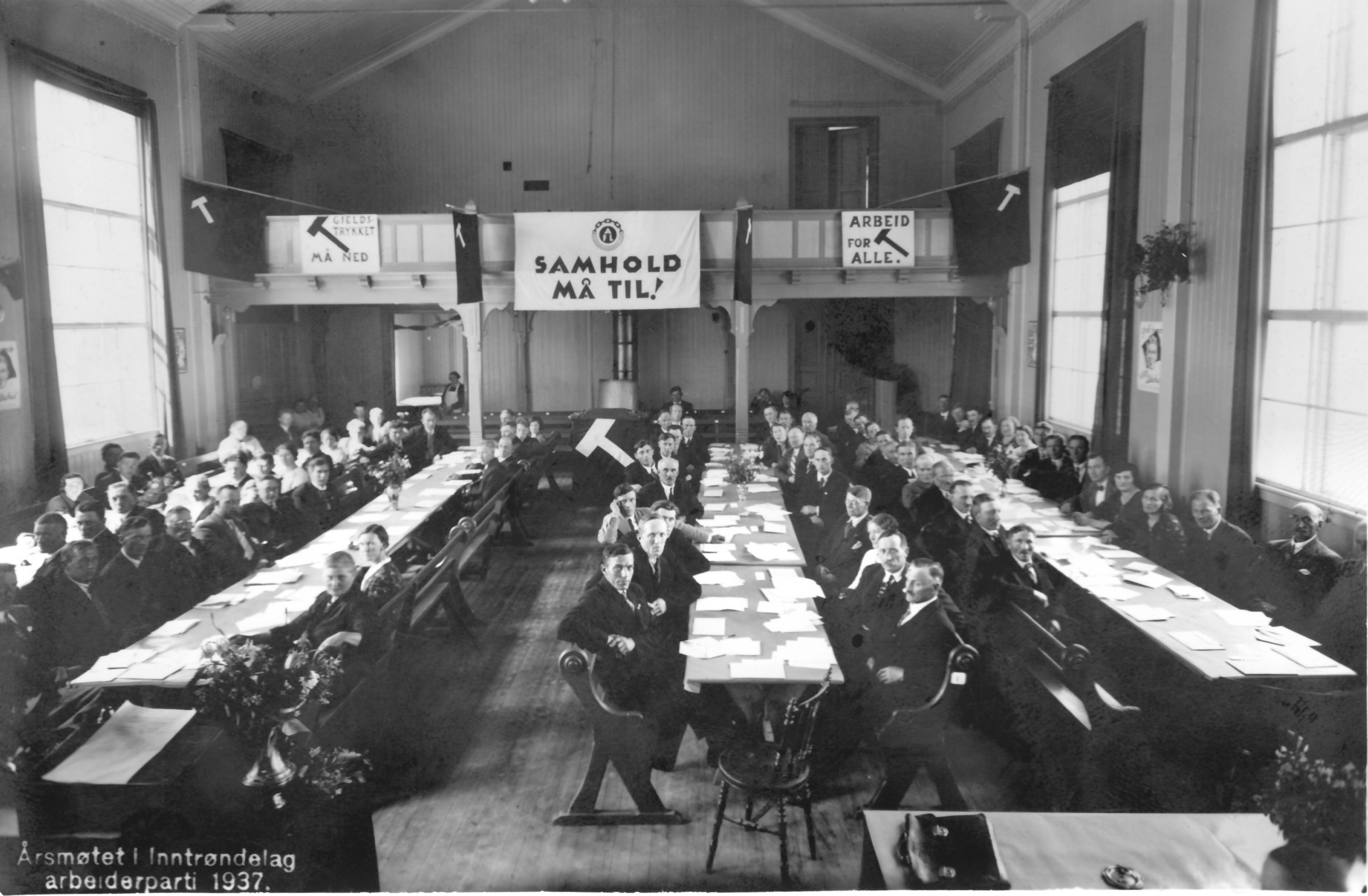Årsmøte i Inntrøndelag arbeiderparti i 1937. Ukjent fotograf, scannet av Gunnar E. Kristiansen