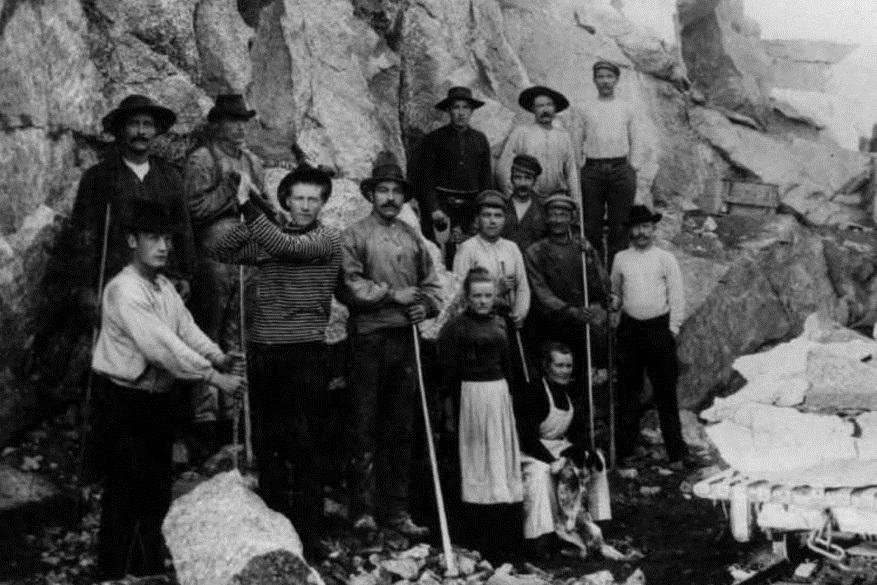 Norsk-svensk arbeidslag under bygginga av Ofotbanen rundt 1900. Bilde: Museum nord @ Digitalt museum.
